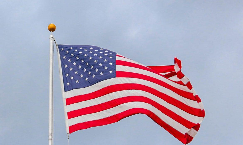 الدولار الأمريكي يفشل في اختراق المستوى 99.00