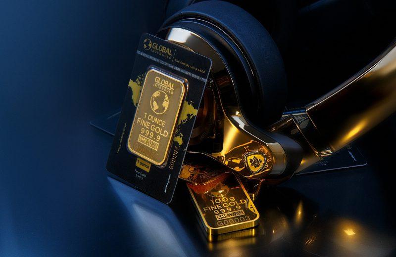 الذهب قد يرتفع إلى 2000 دولار العام المقبل، وفقًا للخبراء