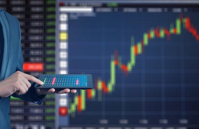 الأسهم التي تحقق أكبر تحركات قبل الافتتاح الرسمي للأسواق (نايك – أمازون – أندر أرمور....والمزيد)