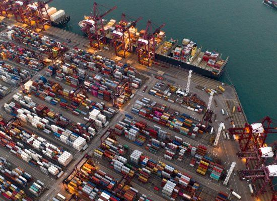 ترامب وصفقات تجارية جديدة مع أوروبا، بريطانيا، المكسيك وكندا