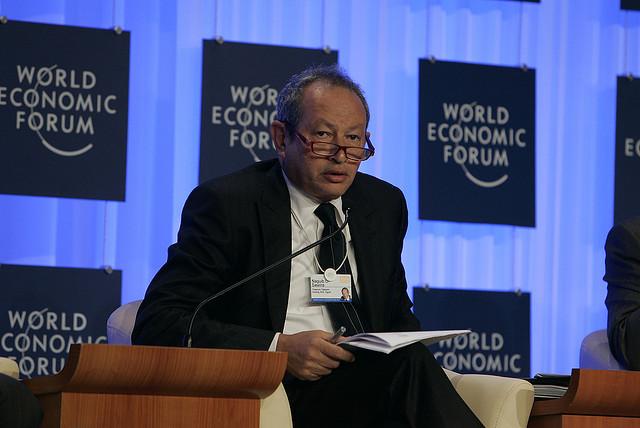 يتوقع الملياردر نجيب ساويرس أن يتقلص الاقتصاد العالمي في حال عدم احتواء كورونا