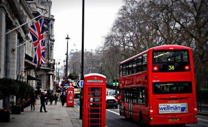 يعتقد بوريس جونسون رئيس وزراء بريطانيا أننا سنتخلص من كورونا في منتصف عام 2021